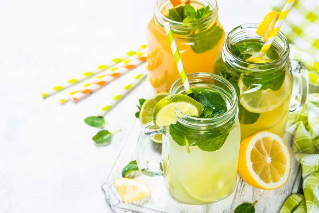 Lemonade mojito in mason jars